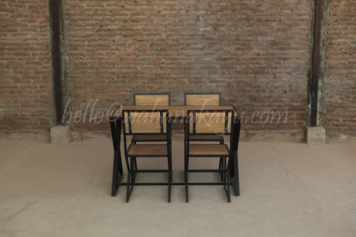 Hox Set Dining Table