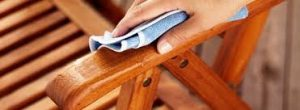 Tips For Cleaning Lawn Furniture & Other Household Items