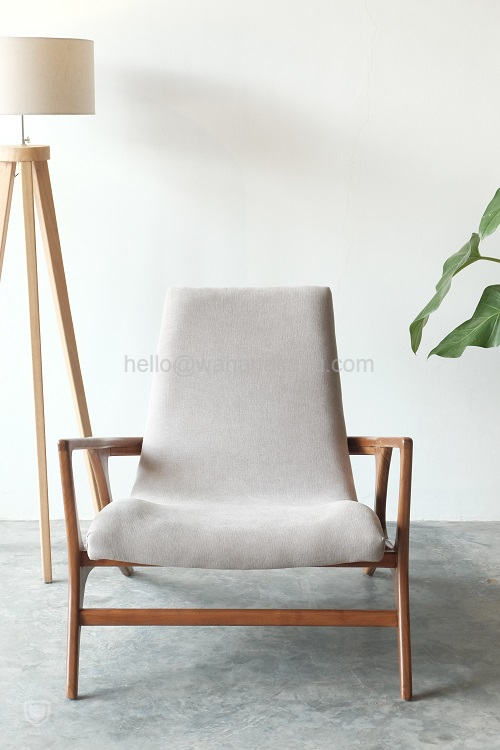 Naura Lounge Chair