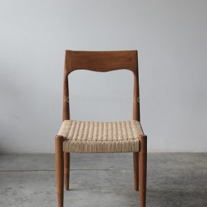 Kursi Kayu Jati Hiyura Chair Berkualitas