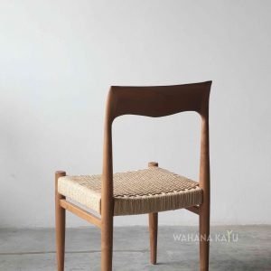 Hiyura Chair