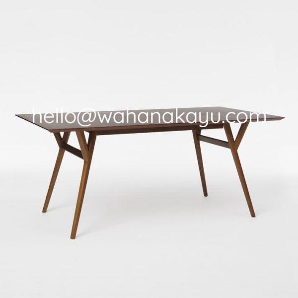 Solaka Table