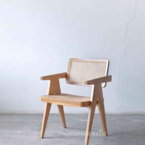 Astama Chair